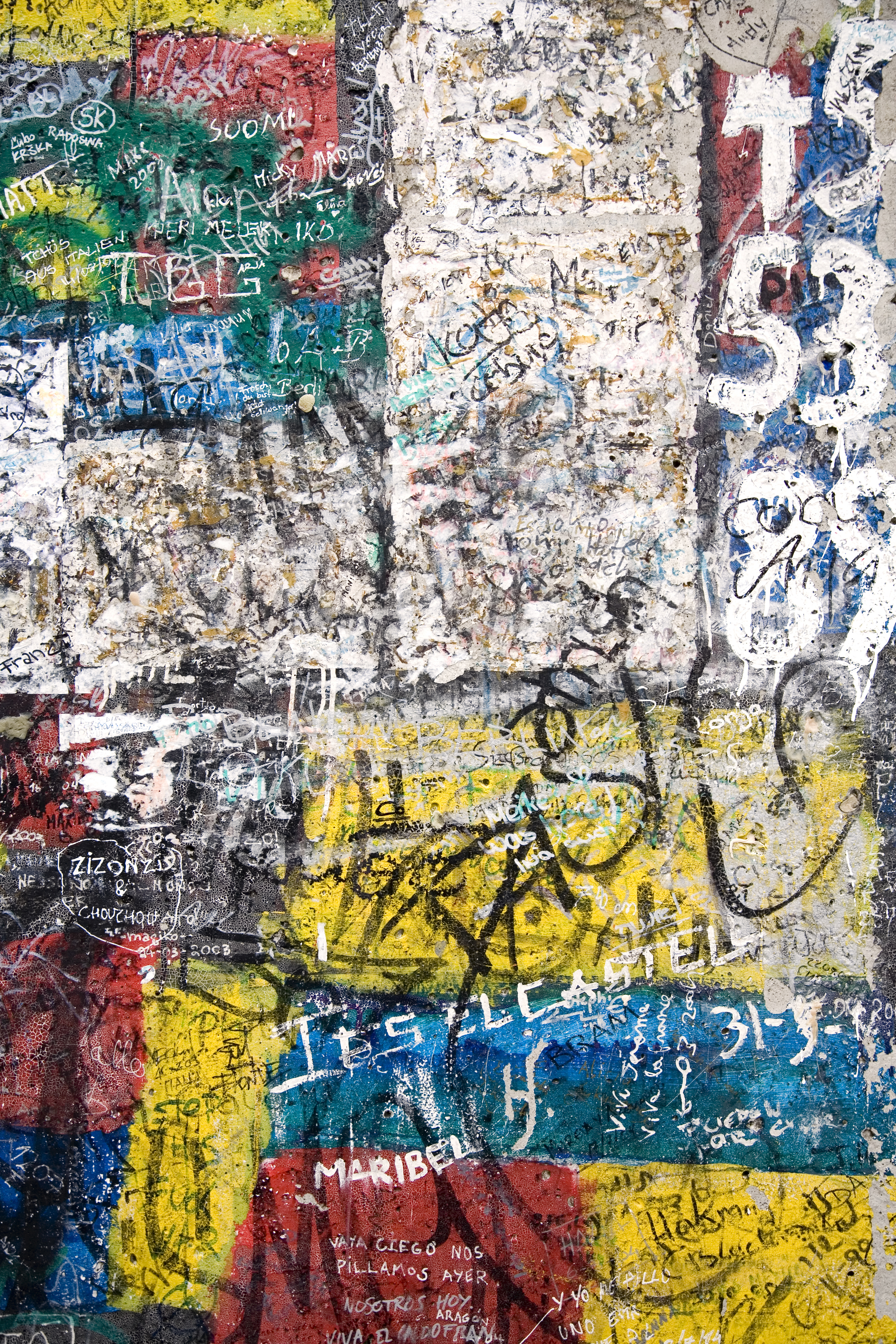 Berlin wall fragment.jpg